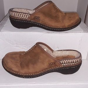 Ugg Kohala clogs - med. Brown - sz. 7 - EUC